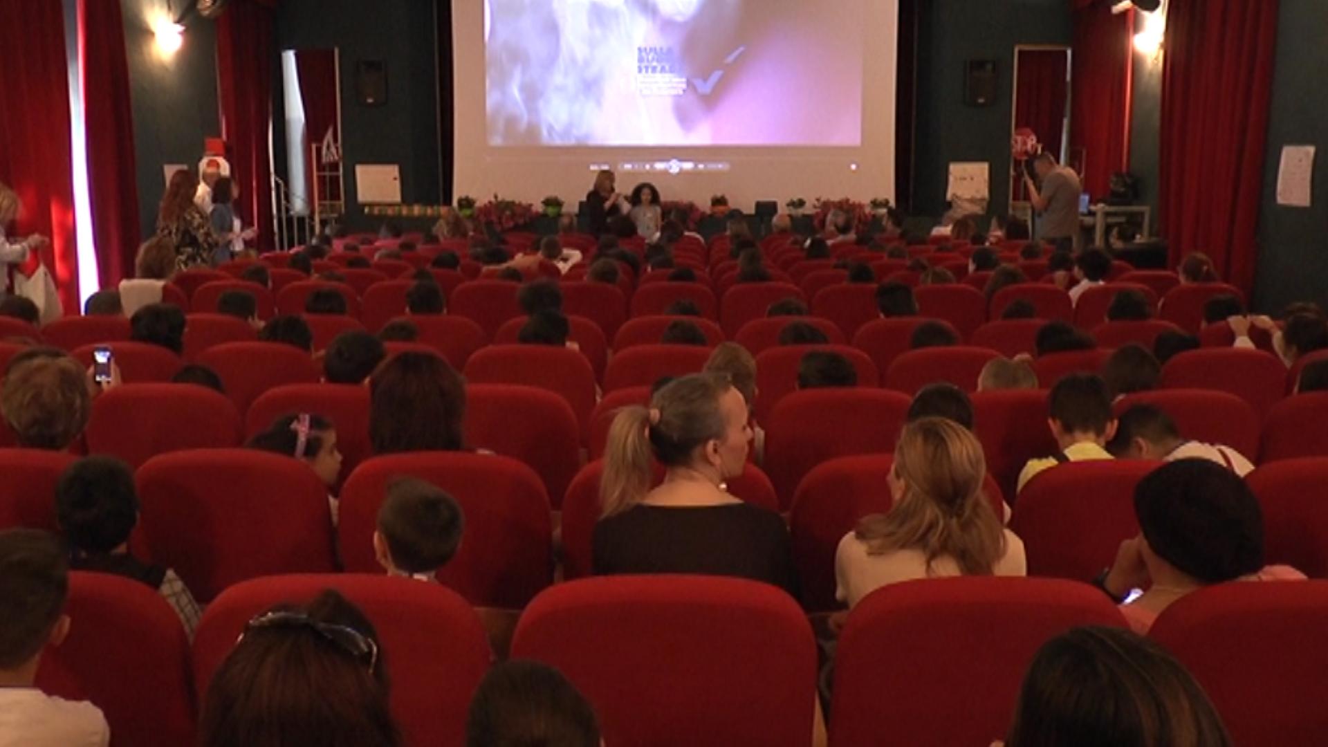 SICUREZZA STRADALE, AL PRIMO CIRCOLO LA PROIEZIONE DEL SOCIAL MOVIE 'STRADE DA AMARE. LA SCELTA GIUSTA'. GUARDA IL VIDEO