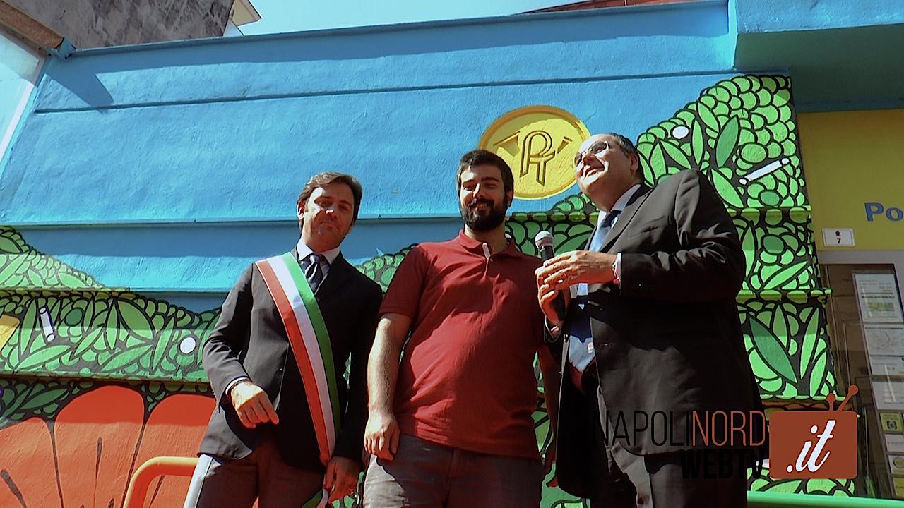 Un murales per riqualificare gli uffici: Poste Italiane inaugura l'opera di street artist. Video