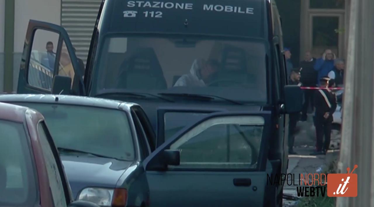 Femminicidio, ennesimo dramma a Sant'Antimo: marito uccide la moglie in auto. Video