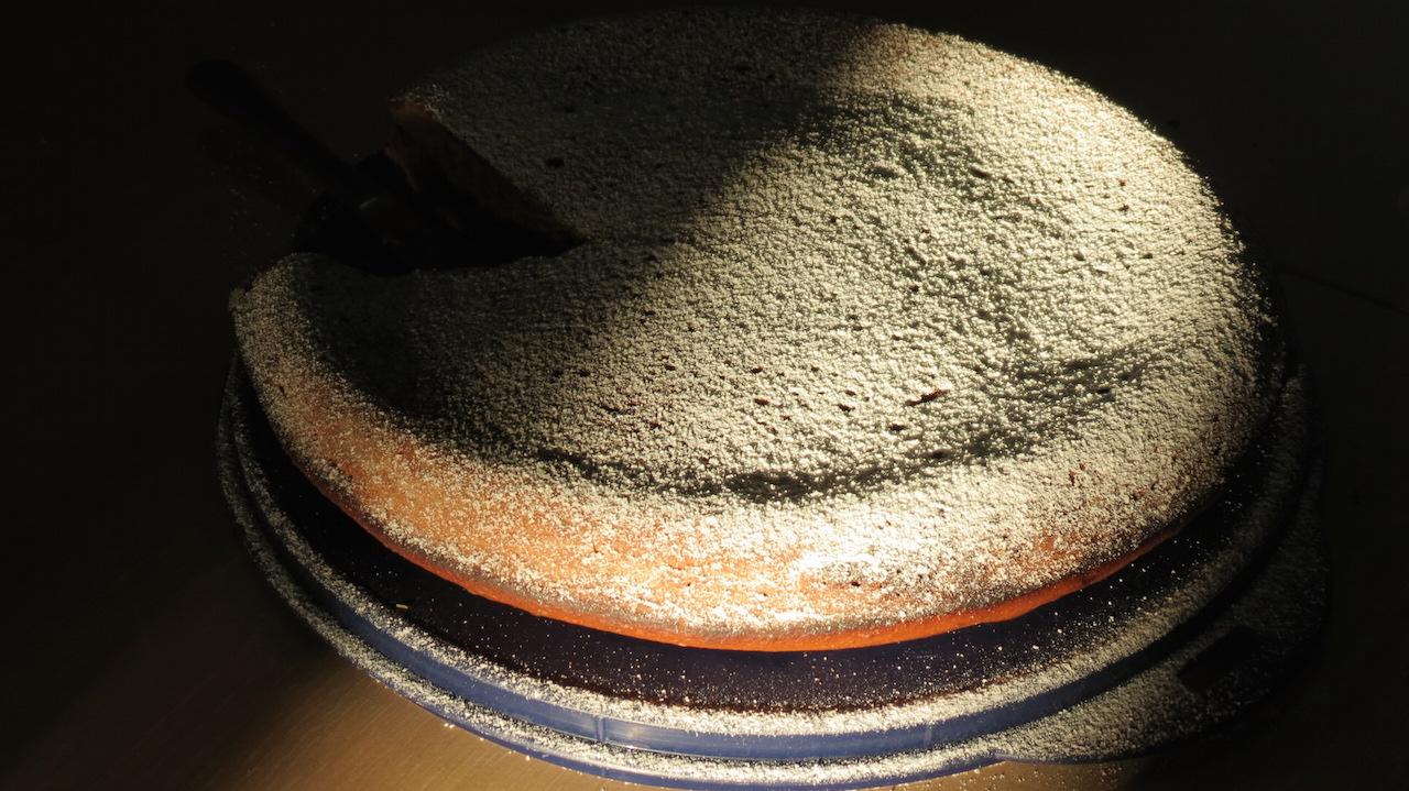 'A tavola con NapoliNordWebTv', ecco come preparare la torta alla nocciola. Video