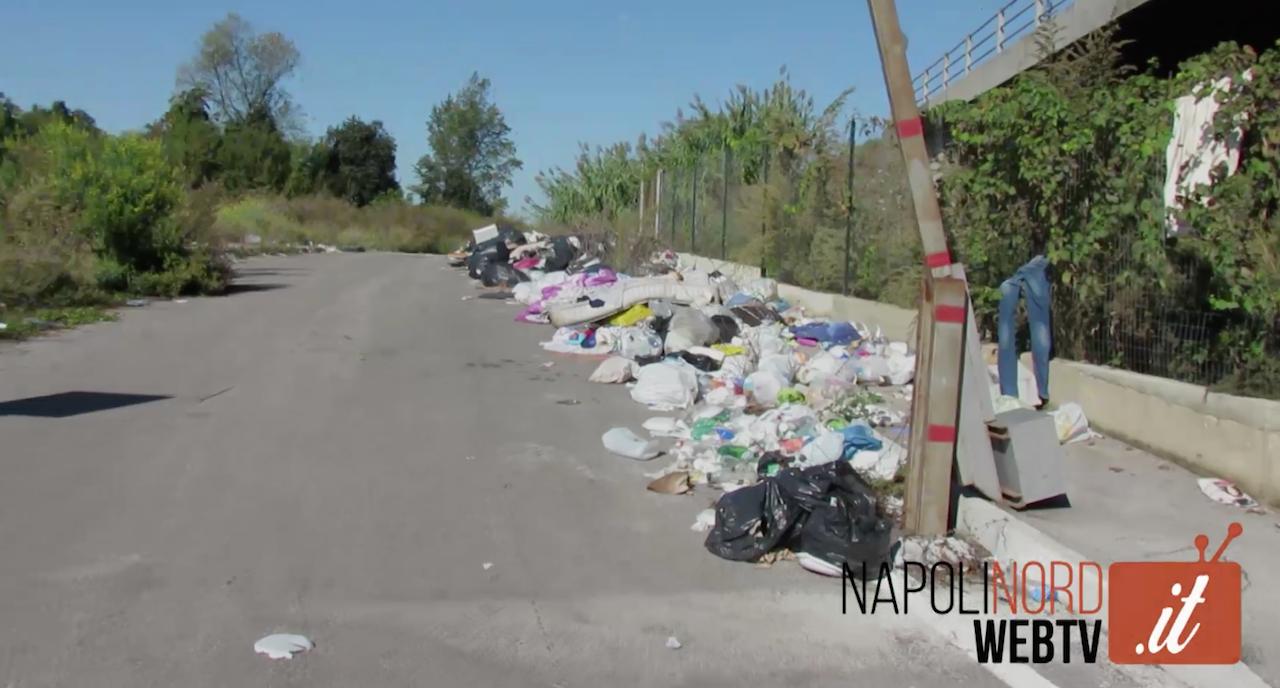 'Una giornata normale nella Terra dei fuochi', dal drone i rifiuti di Casacelle e di via S. Caterina da Siena. Video