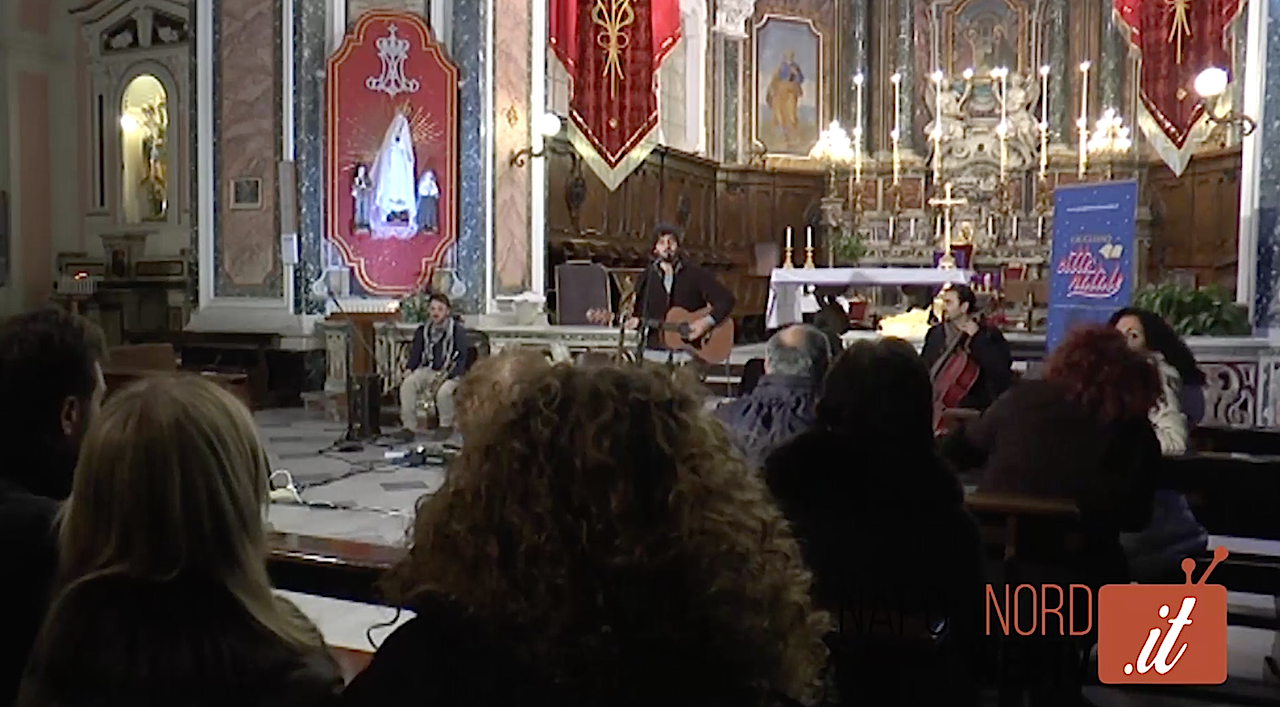 'La Maschera' incantano la chiesa dell'Annunziata con il loro concerto live di Natale. Video