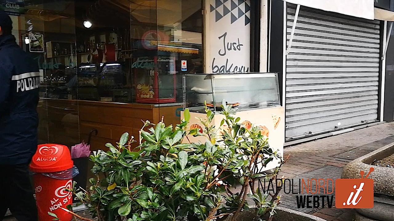 Rapina al bar Just Bakery del Borgo Meridiano di Giugliano, malviventi armati via col cassetto del registratore di cassa. Video