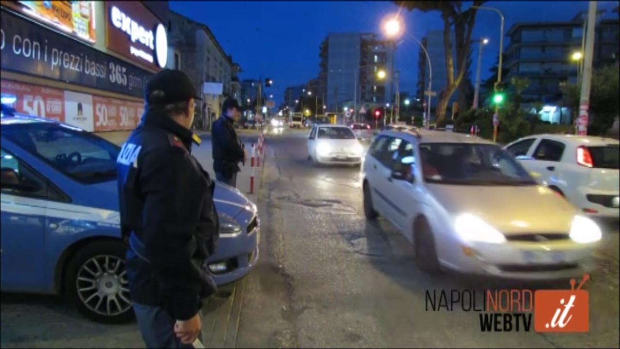 Folle inseguimento nella notte di tre rapinatori, la polizia recupera la refurtiva. Video