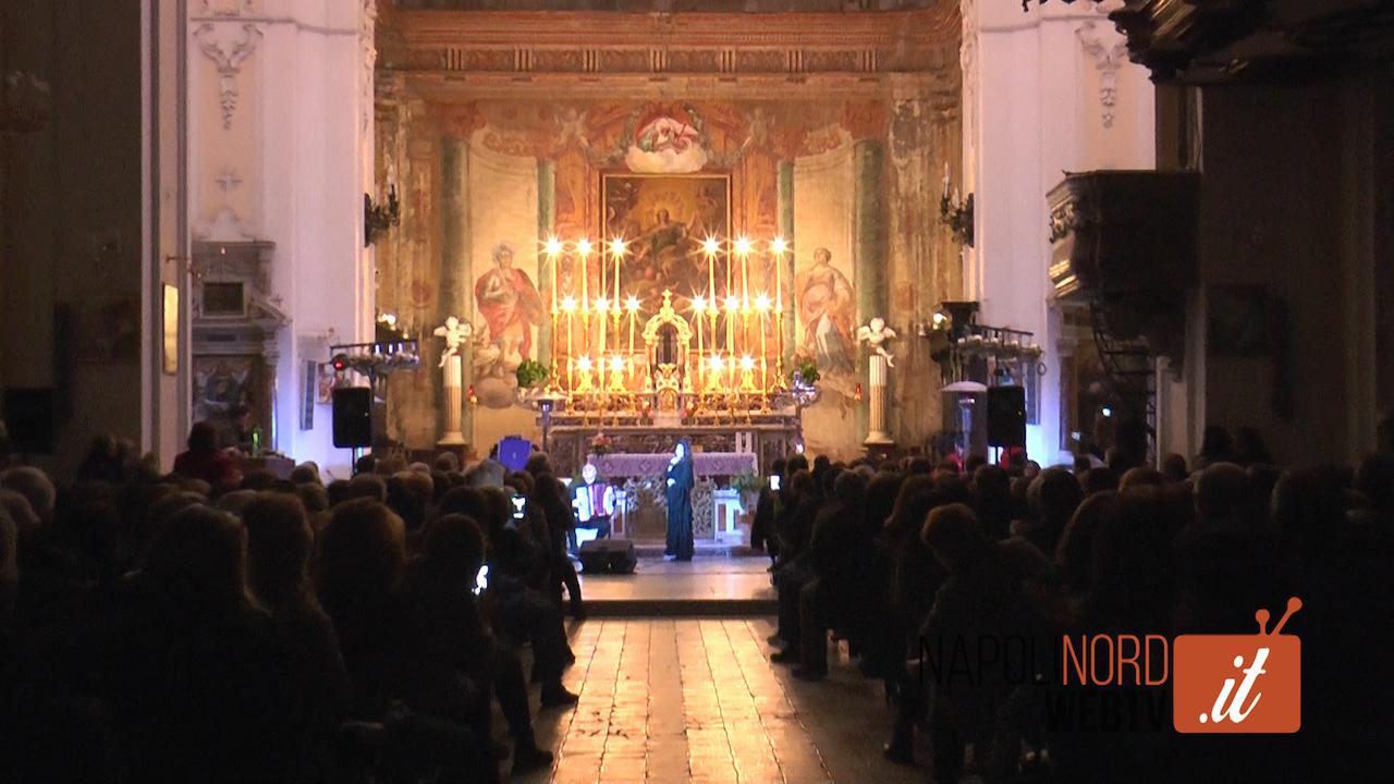 Lina Sastri incanta Giugliano, chiesa di Santa Sofia gremita per assistere al concerto. Video