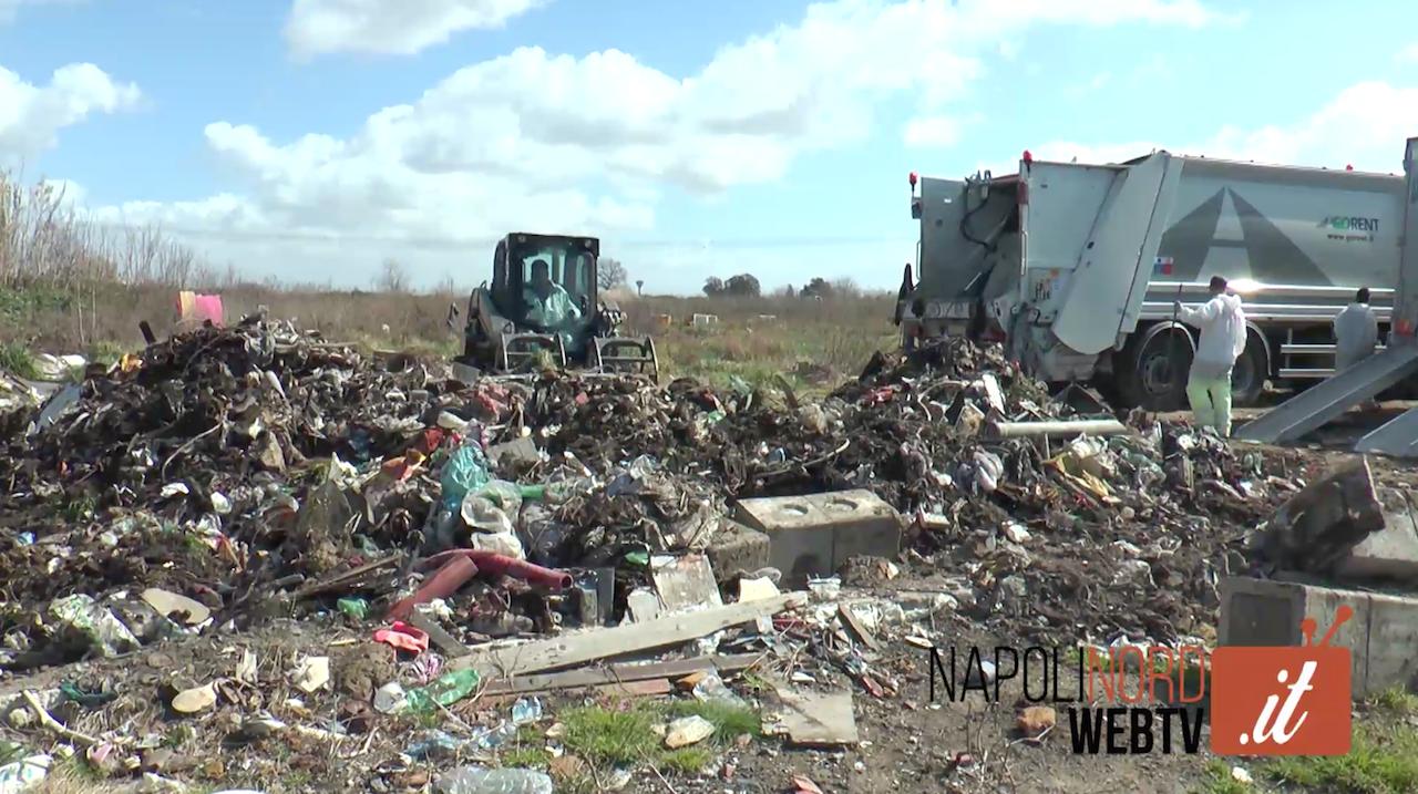 Terra dei Fuochi tra rifiuti, bonifiche e nuovi impianti: viaggio nel giuglianese. Video