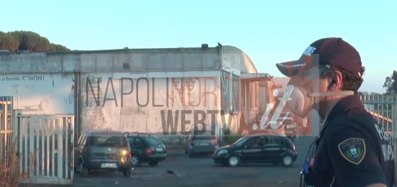 Imprenditore morto a Giugliano, la zona è totalmente avvolta dal fumo: città sotto assedio dai terroristi dei roghi.VIDEO
