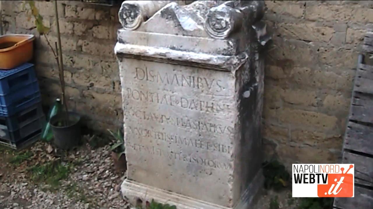 Storia dimenticata, ceppo marmoreo di epoca romana in una masseria di Giugliano. Video