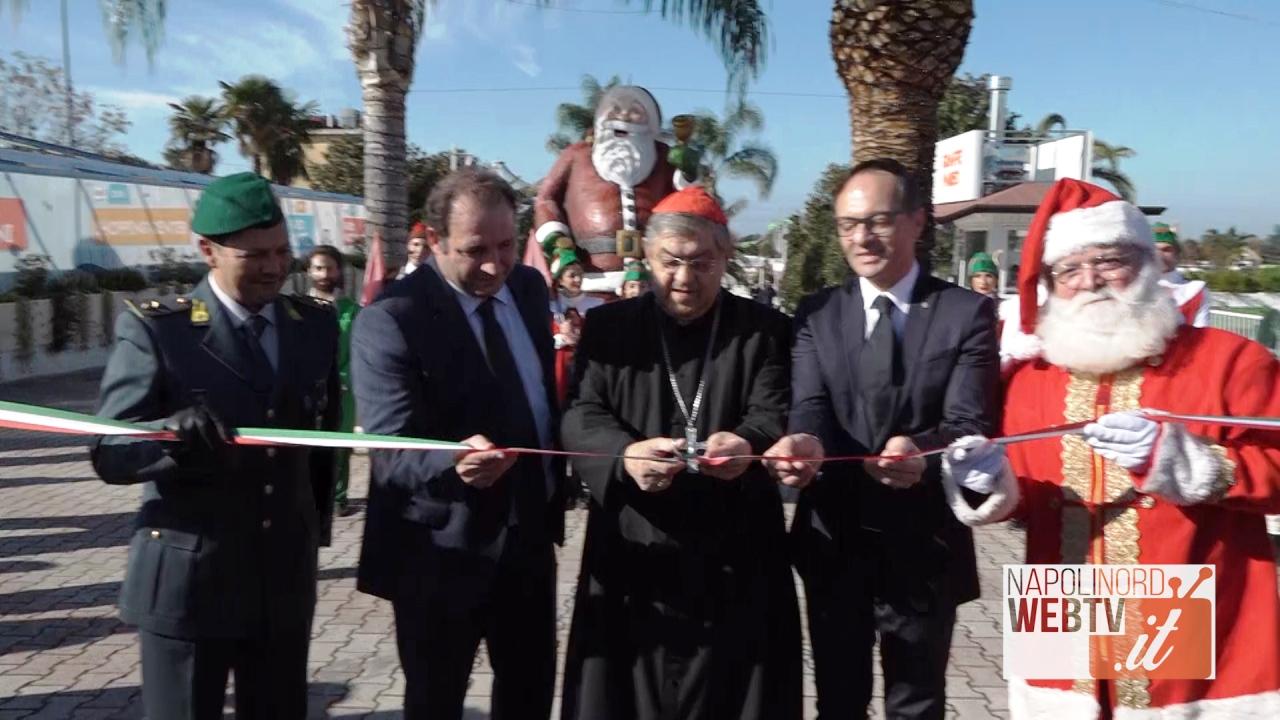 Giugliano, al Pareo Park inaugurato il Villaggio di Babbo Natale: al taglio del nastro il cardinale Sepe. Video