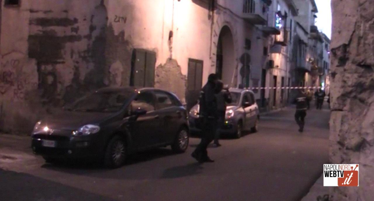 Giugliano, rissa finisce con una sparatoria: paura al centro storico in via Licoda. Video
