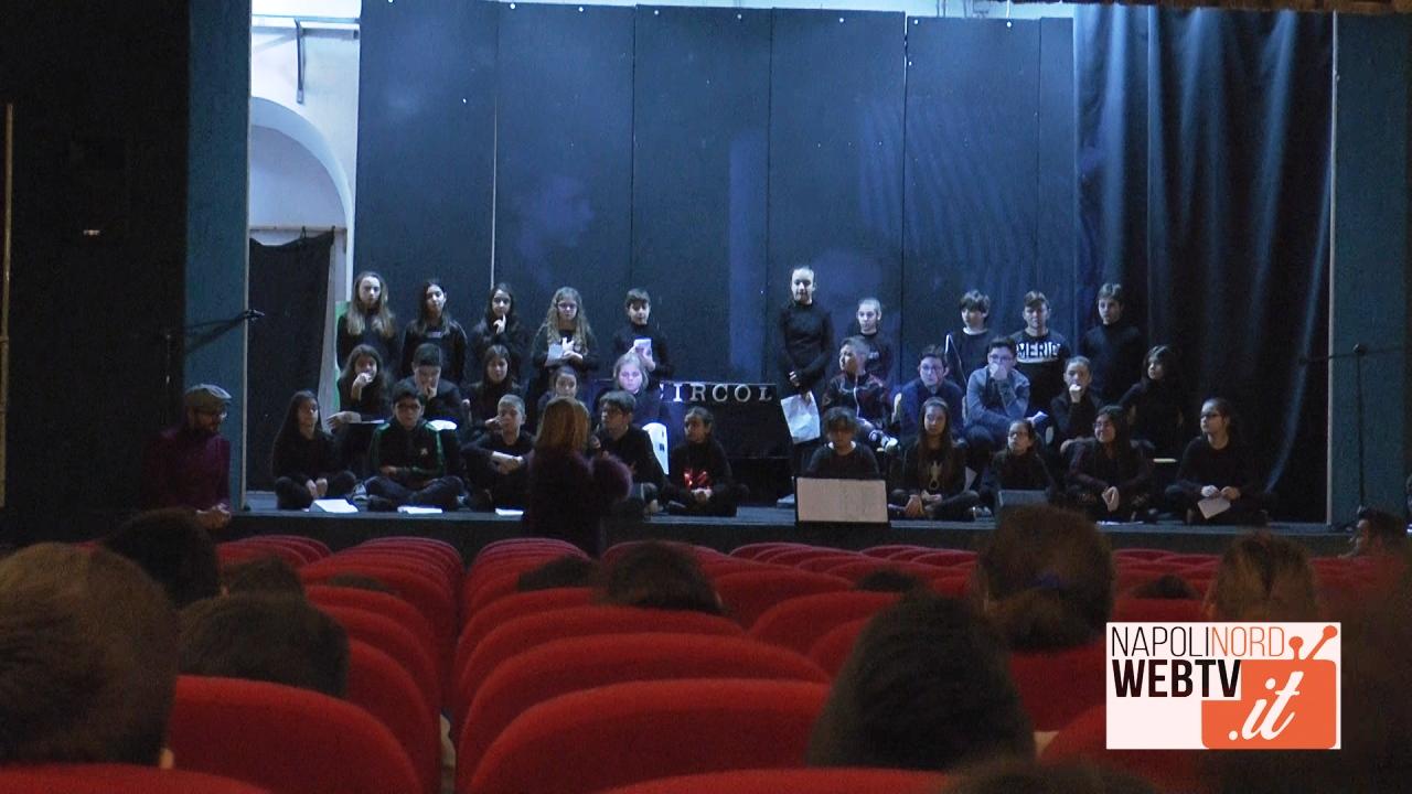 Al Primo Circolo Didattico di Giugliano alunni sul palco per ricordare la Shoah. Video