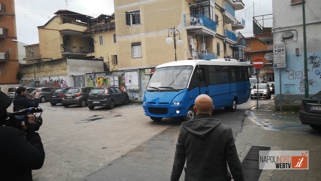 Trasporti, a Qualiano quattro autobus per la Metropolitana di Chiaiano. Video