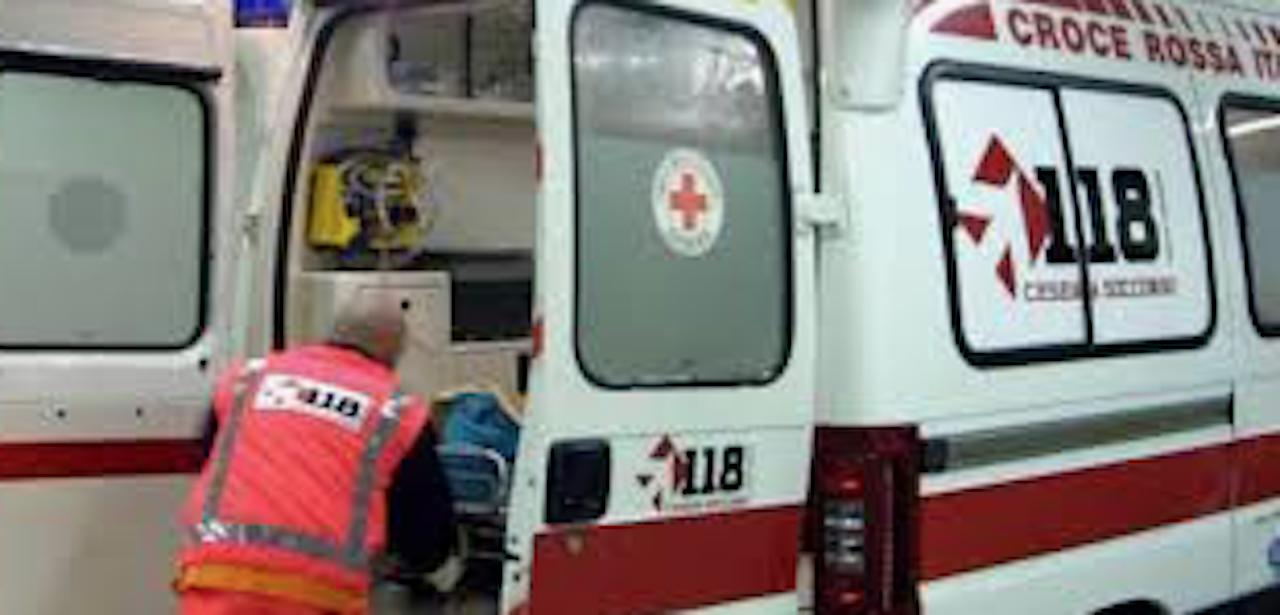 Giallo a Calvizzano, 36enne trovato agonizzante in casa: è deceduto all'ospedale di Giugliano