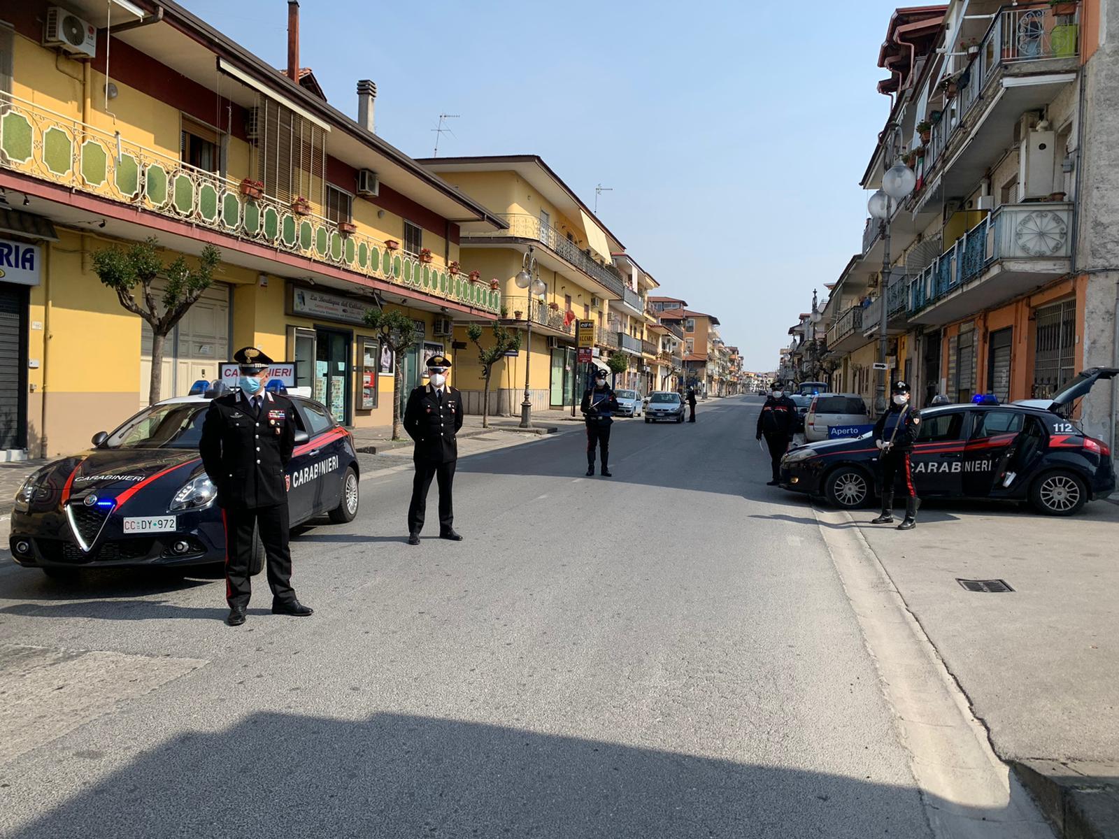 Furto di energia elettrica durante il lockdown, i carabinieri denunciano 4 persone: si erano collegate ad un negozio chiuso