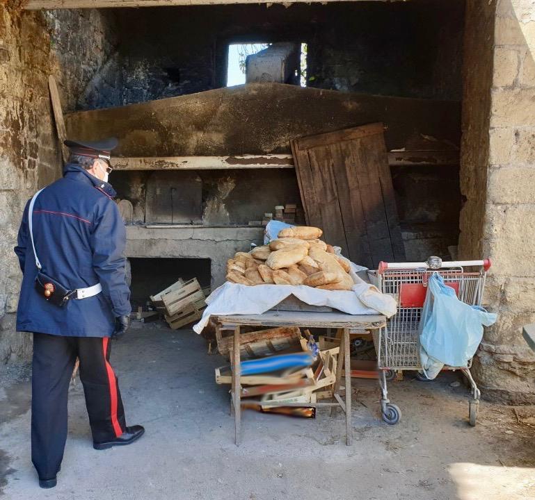 Pane abusivo ai tempi del coronavirus, i carabinieri denunciano fratello e sorella