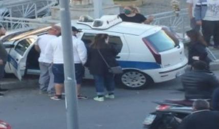 Inseguimento della Municipale, l'auto di ordinanza va fuori strada a Melito