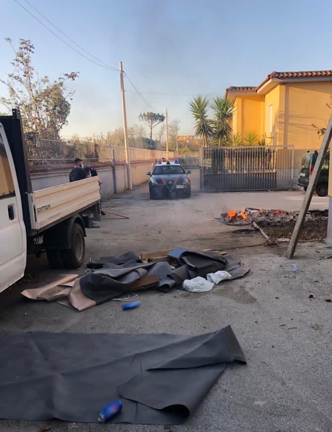 Incendia guaine nel cortile di casa, i carabinieri di Giugliano arrestano 50enne di Qualiano