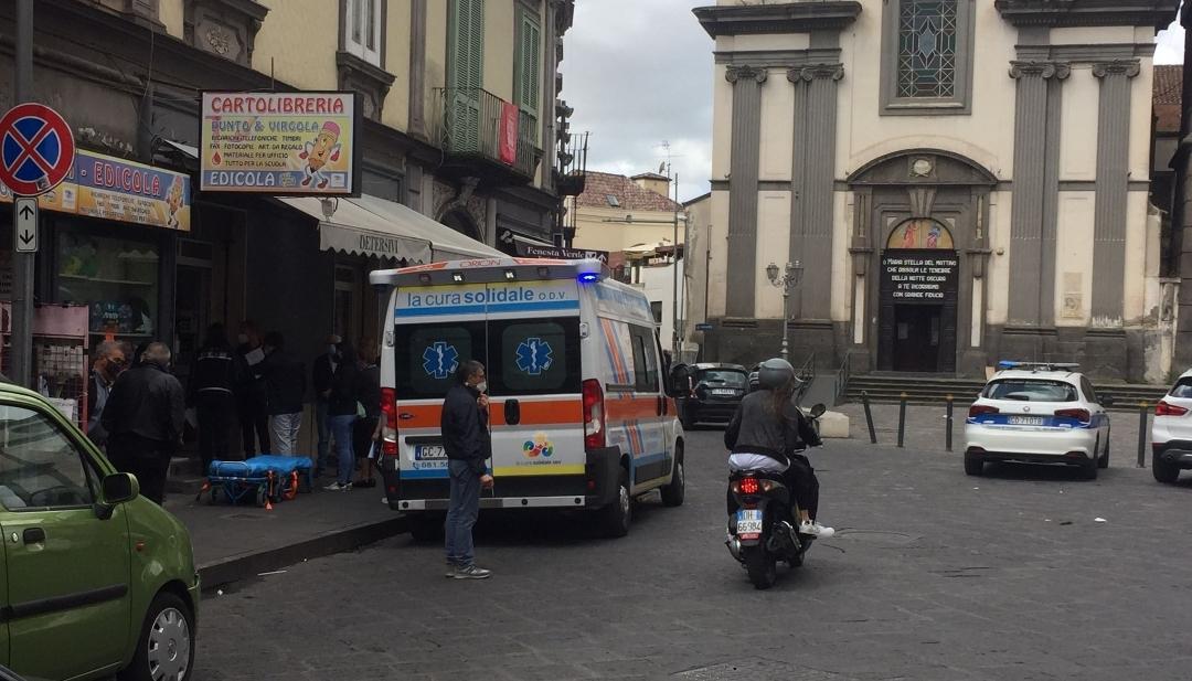 Giugliano, anziana investita in piazza Annunziata
